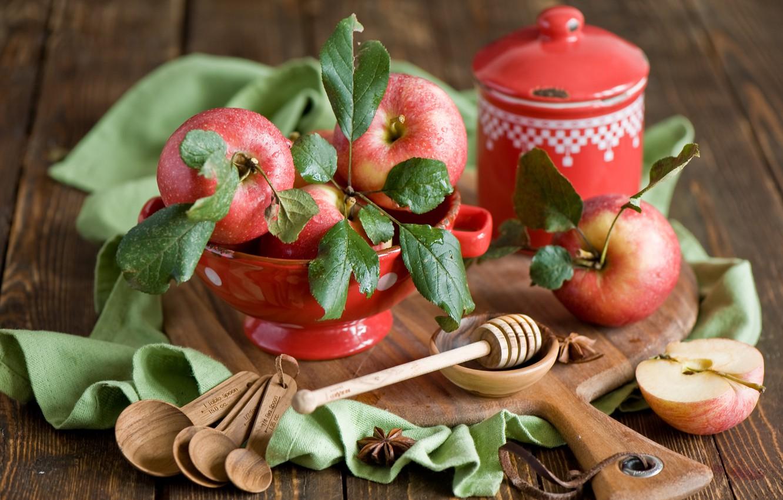 Photo wallpaper autumn, drops, apples, spoon, dishes, red, Board, fruit, still life, Anna Verdina