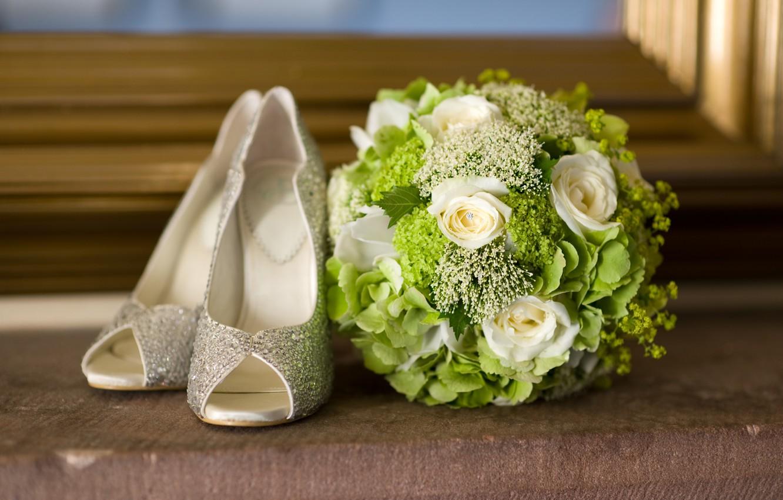 Photo wallpaper shoes, flowers, bouquet, flowers, shoes, bouquet, fashionable, fashionable
