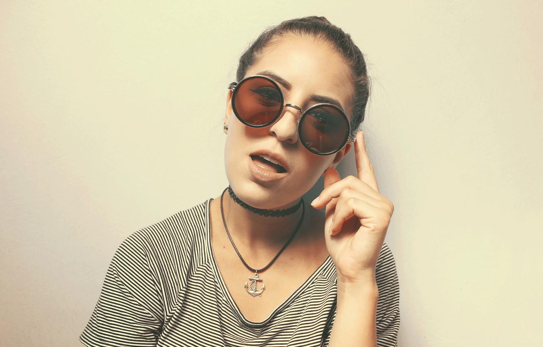 Photo wallpaper girl, glasses, round