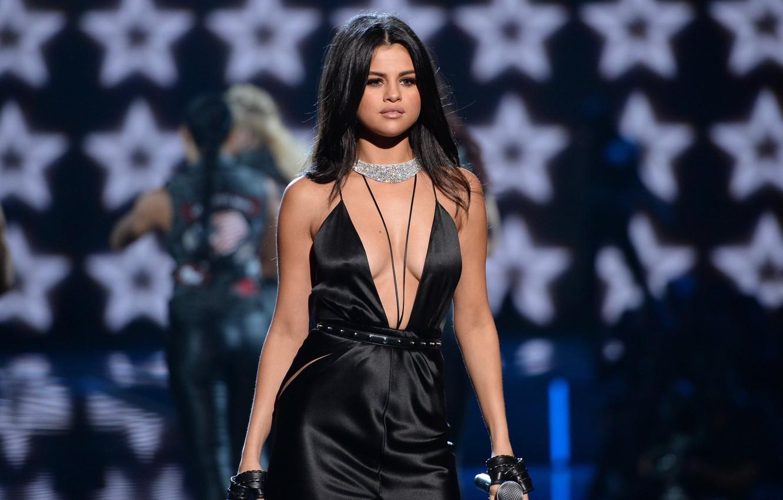 Photo wallpaper look, star, microphone, singer, beauty, latina, Selena Gomez