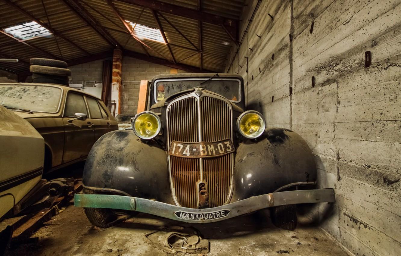 Photo wallpaper machine, garage, scrap