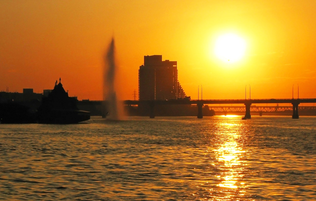 Photo wallpaper water, the sun, sunset, bridge, the city, glare, reflection, river, the evening, fountain, Ukraine, Sail, …