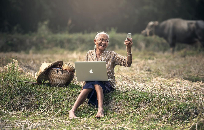Photo wallpaper mood, Apple, iPhone, the situation, Asia, laptop, MacBook, Granny, smartphone, selfie, advanced