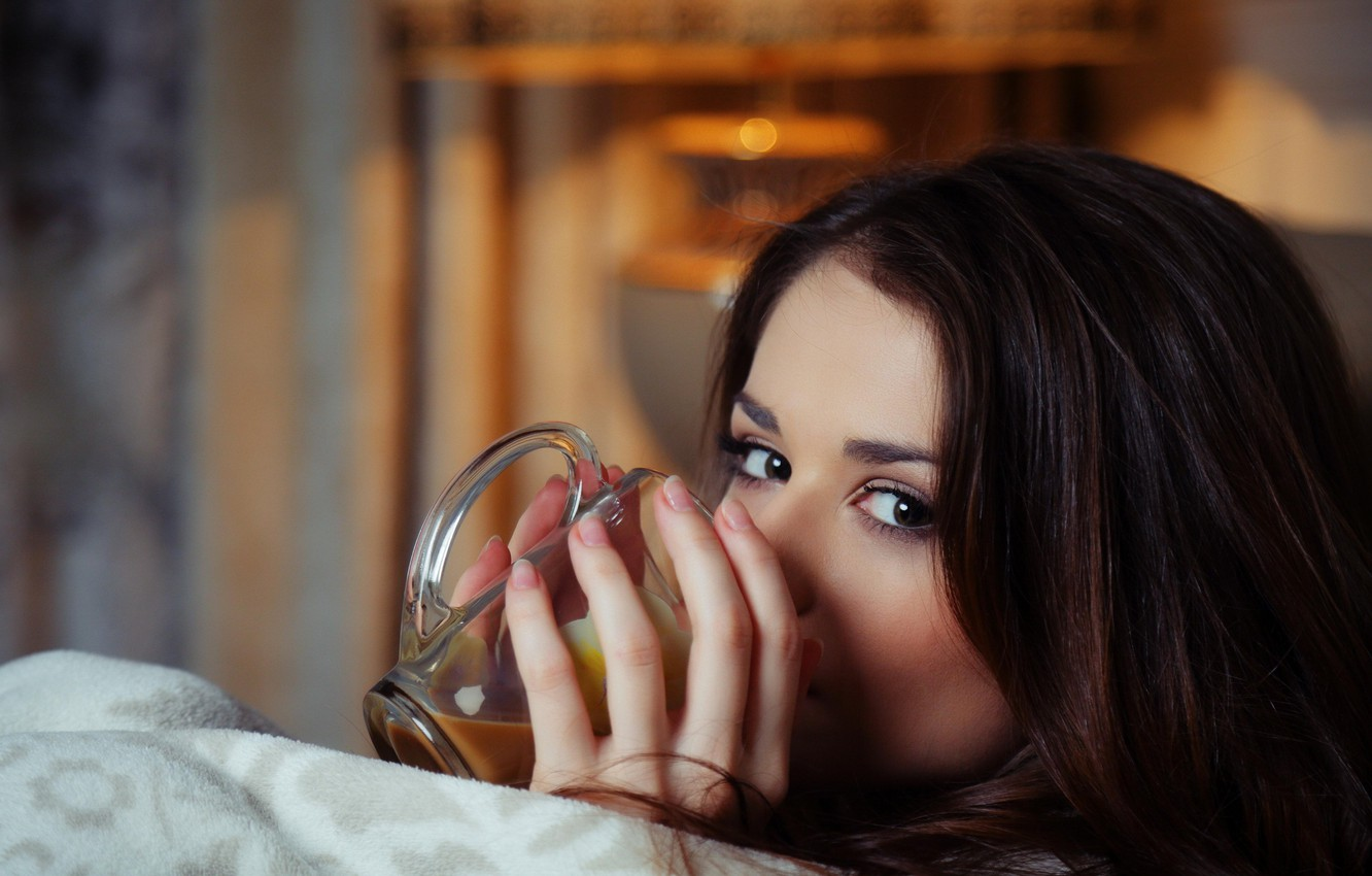 Photo wallpaper eyes, coffee, brunette, mug, fingers, looks, Loretta