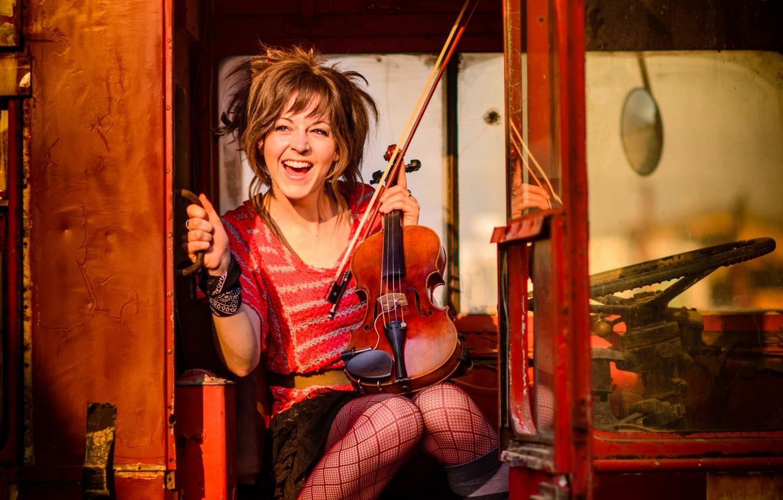 Photo wallpaper violin, music, bus, in red, violin, Lindsey Stirling, Lindsay Stirling
