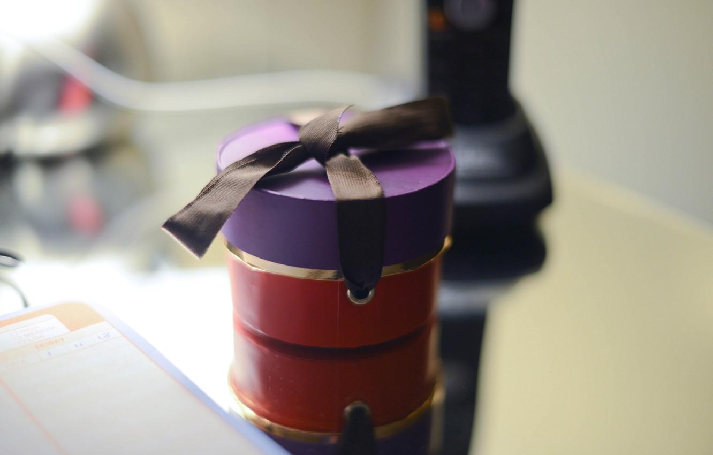 Photo wallpaper purple, red, background, box, gift, widescreen, Wallpaper, mood, black, blur, wallpaper, bow, widescreen, background, box, …