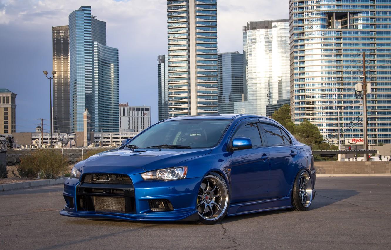 Photo wallpaper city, Mitsubishi, Lancer, wheels, Evolution, blue, hrome