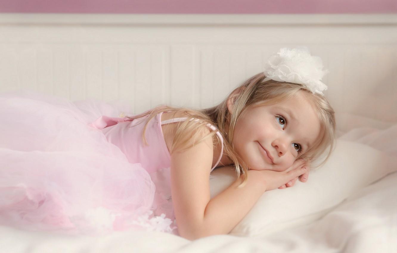 Photo wallpaper comfort, house, angel, girl