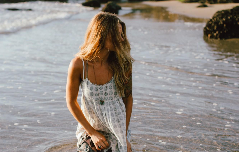 Photo wallpaper water, girl, curls, suspension