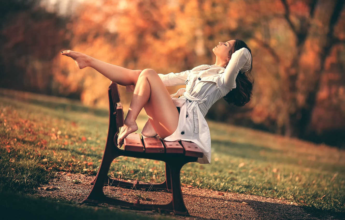 Photo wallpaper autumn, girl, Park, legs, bench, Freedom, Laurent KC