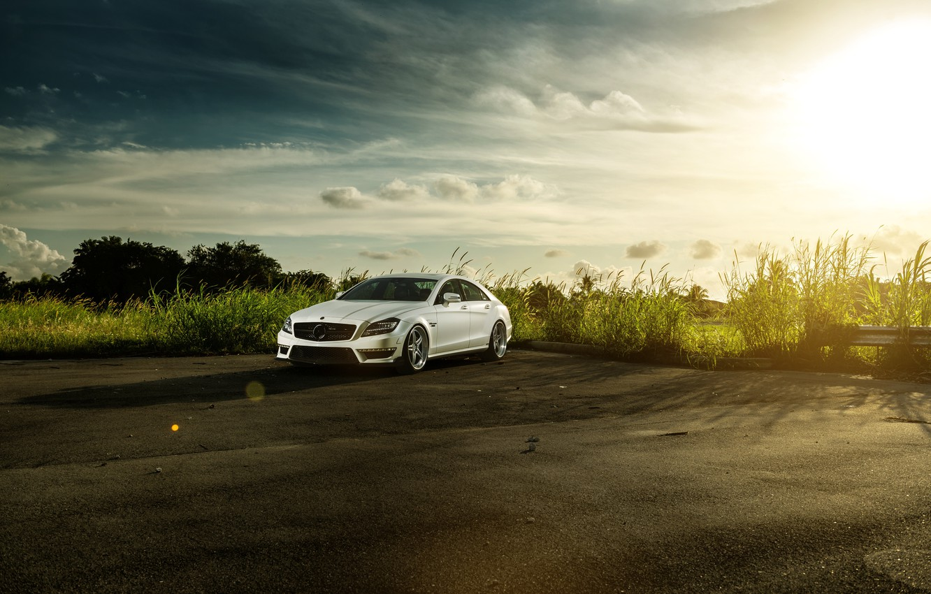 Photo wallpaper white, the sky, the sun, Mercedes-Benz, before, white, Blik, front, Mercedes Benz, CLS-class, CLS 63