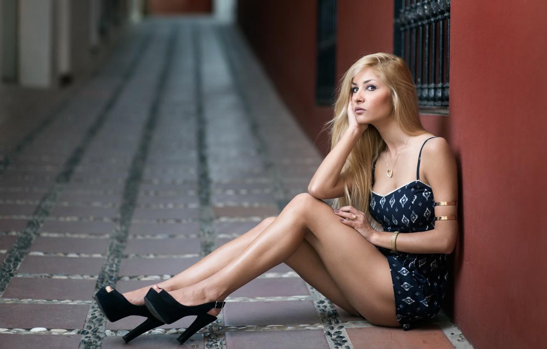 Photo wallpaper look, girl, pose, street