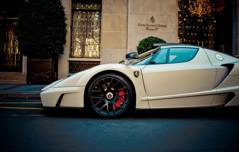 Photo wallpaper Ferrari, white, supercar, enzo, front, hotel, gemballa