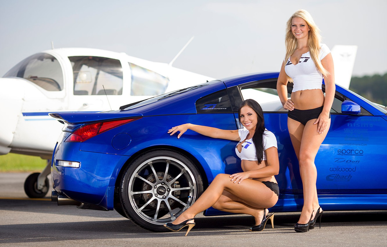 Photo wallpaper the plane, Girls, Nissan, Brunette and Blonde, two beautiful girls