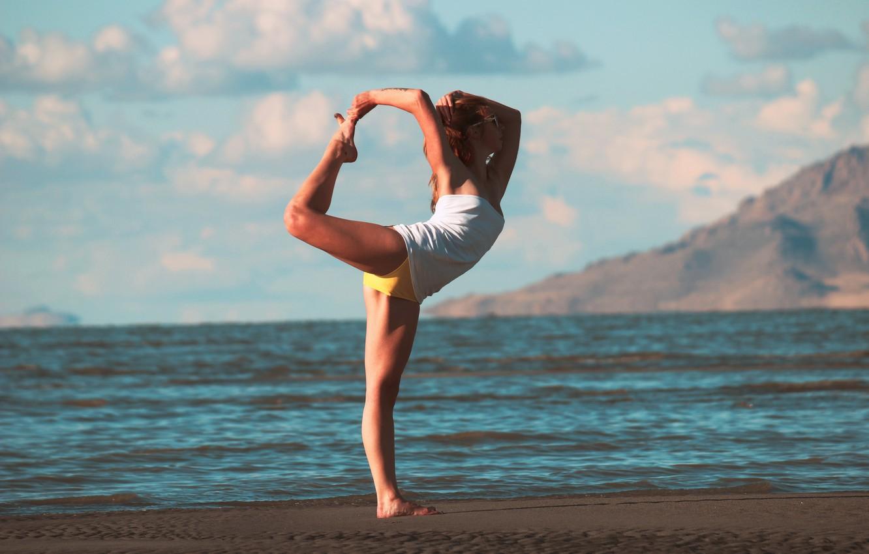 Photo wallpaper sea, girl, pose, shore, warm-up