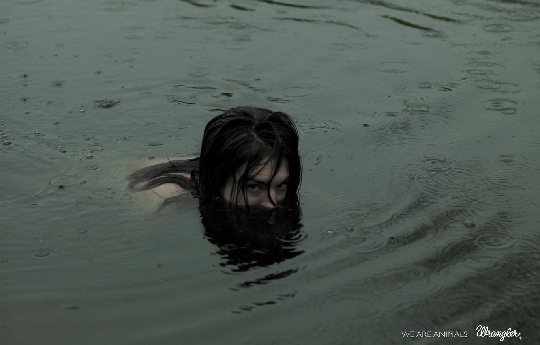Photo wallpaper water, girl, rain, beast
