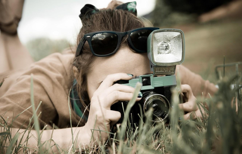 Photo wallpaper greens, grass, girl, nature, background, Wallpaper, mood, camera, brunette, glasses, the camera, wallpaper, girl, shooting, …
