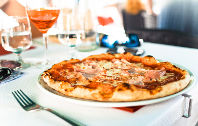 Photo wallpaper plug, pizza, sausage, the dough