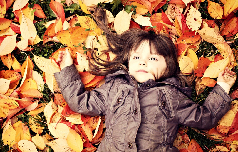 Photo wallpaper autumn, leaves, child, girl, baby, child, fallen