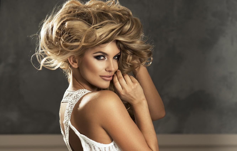 Photo wallpaper look, girl, hair, back, makeup, blonde, beautiful, curls