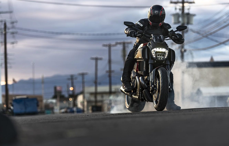 Photo wallpaper Ducati, Carbon, smoke, muscle, power, cruiser, Diavel, burn, musclebike