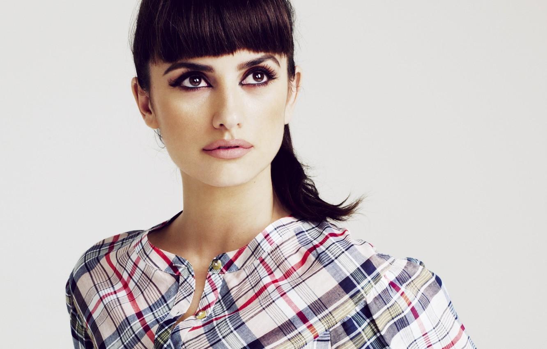 Photo wallpaper eyes, look, face, makeup, actress, lips, shirt, Penelope Cruz, Penelope Cruz