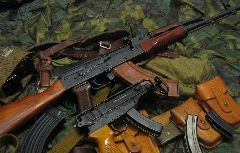 Photo wallpaper machine, Scorpio, camouflage, AK-47, stores