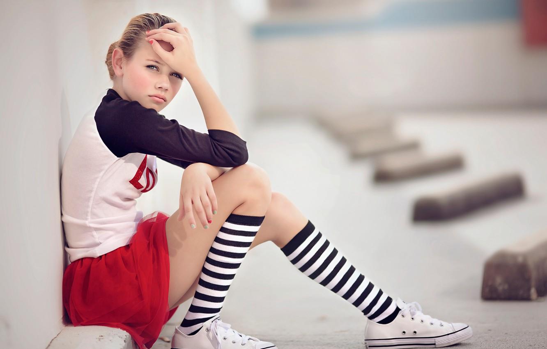 Photo wallpaper sneakers, girl, knee, Julia Altork