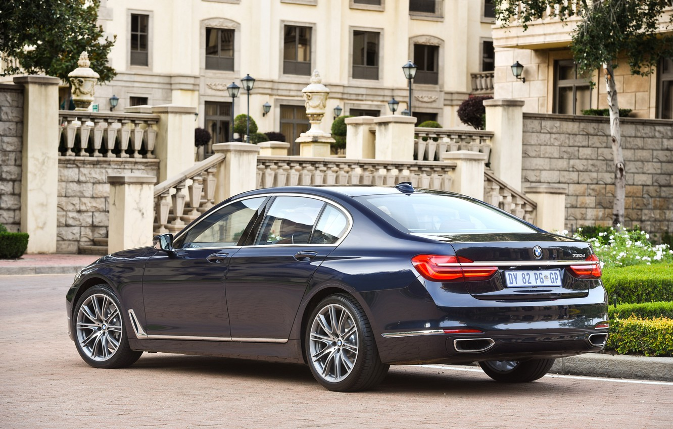 Photo wallpaper lawn, BMW, track, fountain, mansion, rear view, 730d