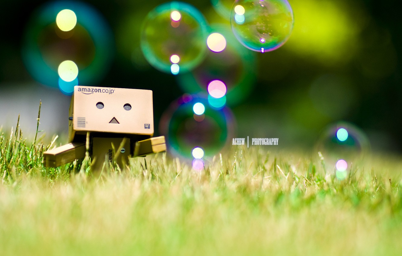 Photo wallpaper grass, bubbles, bubbles, grass, robot, danbo, Danboard, box, toy