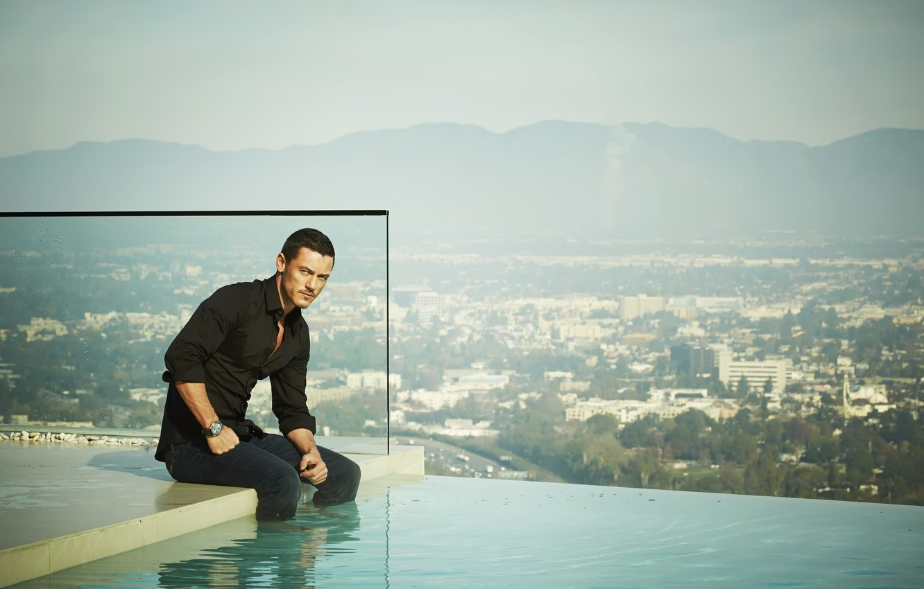 Photo wallpaper water, pool, male, Luke Evans, luke evans