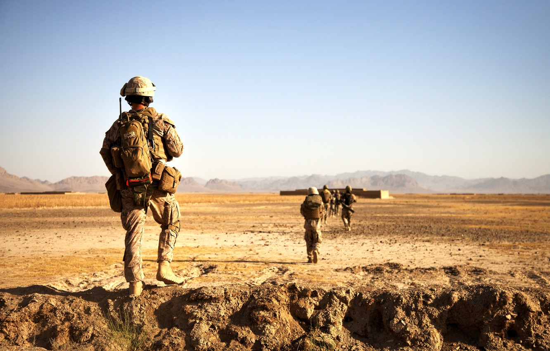 Photo wallpaper desert, Soldiers, patrol, Americans, Avganistan