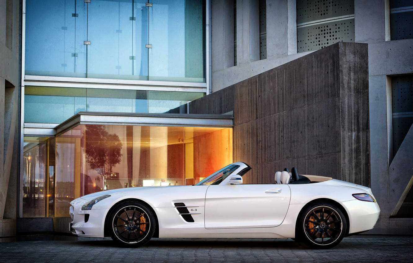 Photo wallpaper white, the building, Mercedes, Mercedes, side