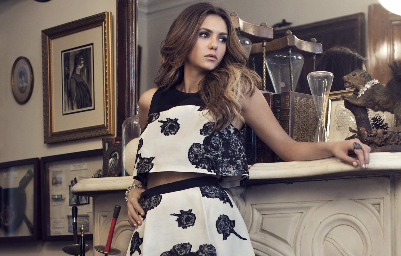 Photo wallpaper look, girl, face, wall, hair, books, interior, actress, mirror, beauty, pictures, fireplace, beautiful, Nina Dobrev, …