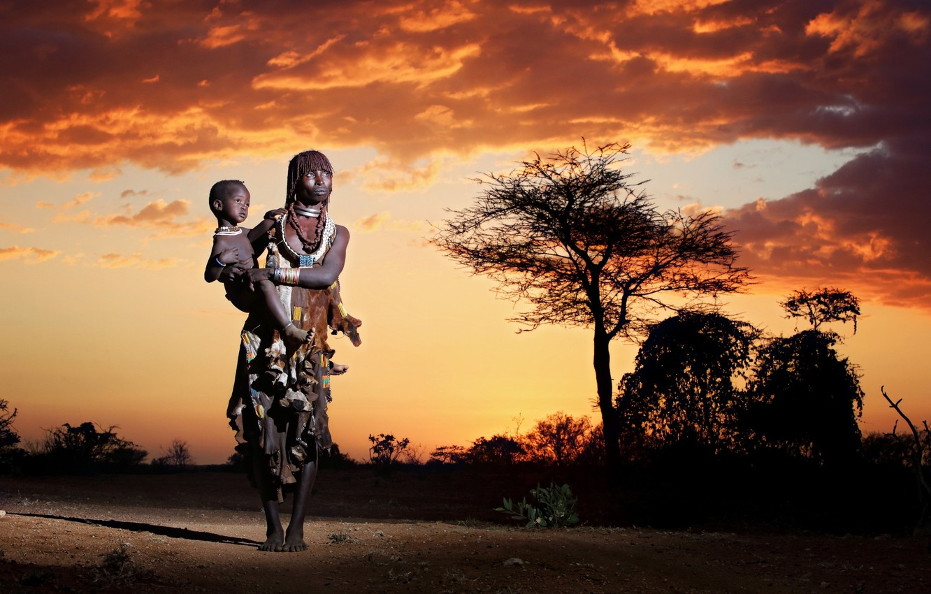 Photo wallpaper Africa, the indigenous people, Mother and child