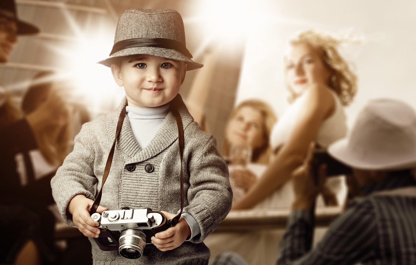 Photo wallpaper look, girl, smile, hat, boy, the camera, blonde, child, flash, reporters