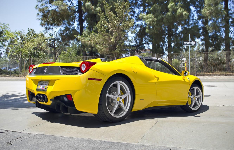 Photo wallpaper Ferrari, Ass, Yellow, Ferrari, 458, Yellow, Italia, Spider, Supercar