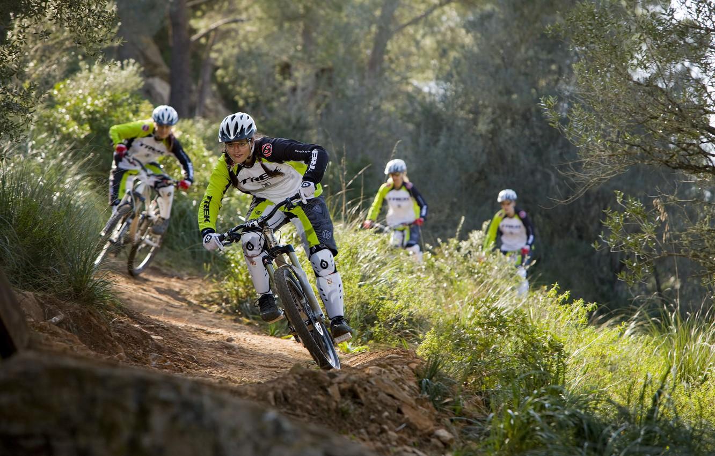 Photo wallpaper dirt, bike, mountain, rocks, hill, freeride, downhill, mtb, crazy, mountainbike