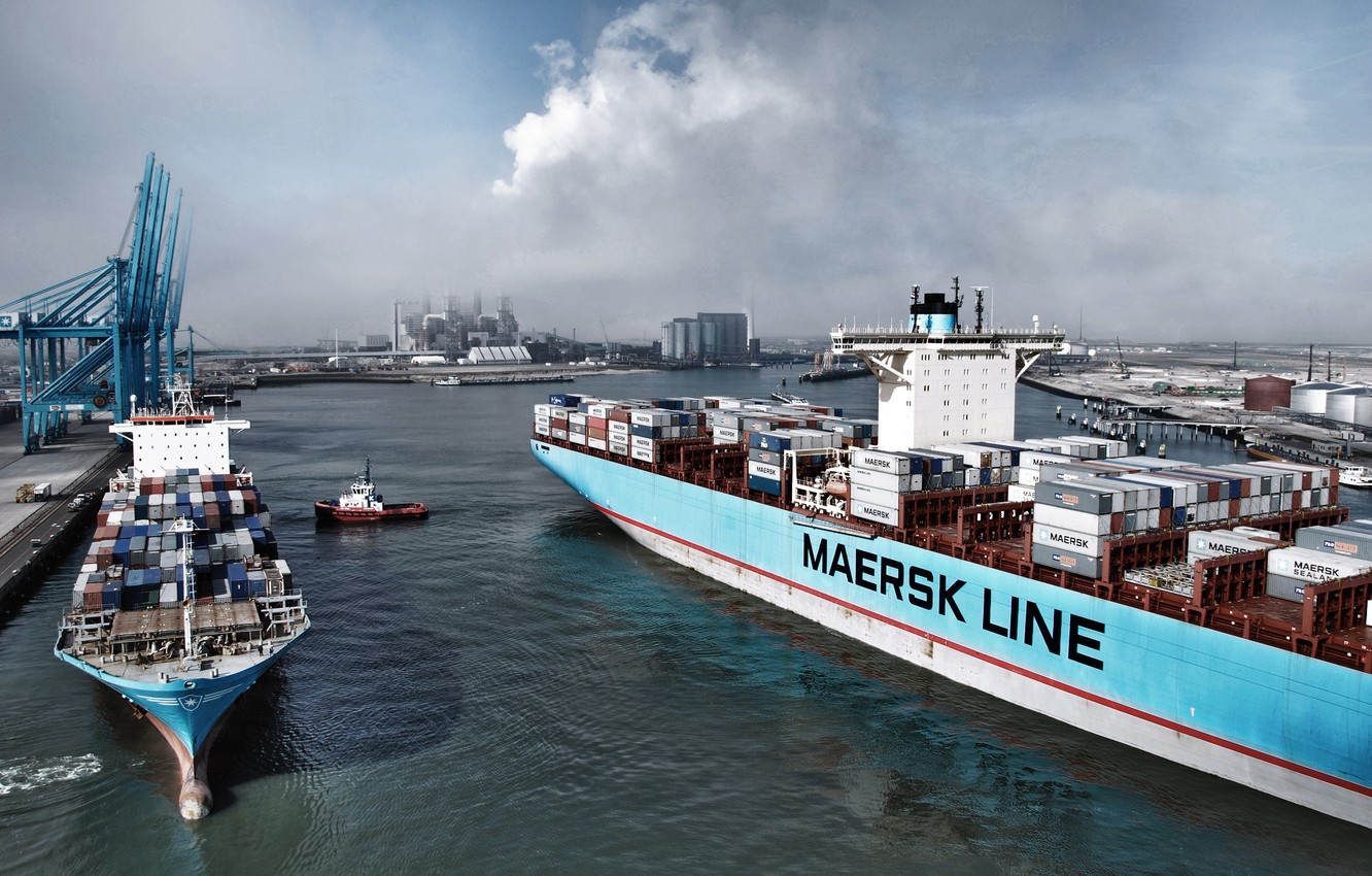 Photo wallpaper Sea, Port, Pier, Smoke, The ship, A container ship, Cranes, Two, Waste, Maersk, Maersk Line, …