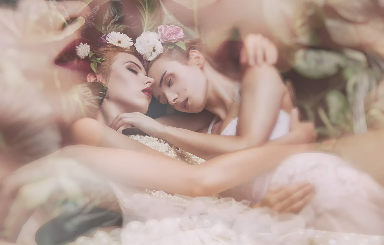 Photo wallpaper stay, sleep, two girls, friend