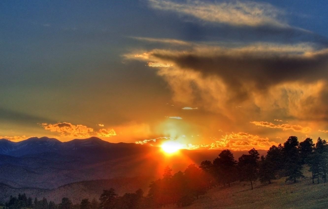 Photo wallpaper FOREST, HILLS, MOUNTAINS, HORIZON, The SKY, The SUN, CLOUDS, SUNSET, CLOUDS, LIGHT, TREES, RAYS, SLOPE, …