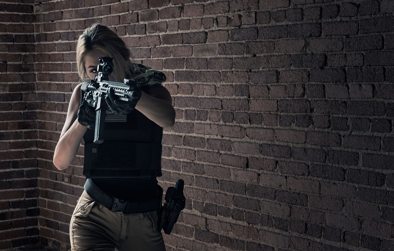 Photo wallpaper girl, face, weapons, background, assault rifle