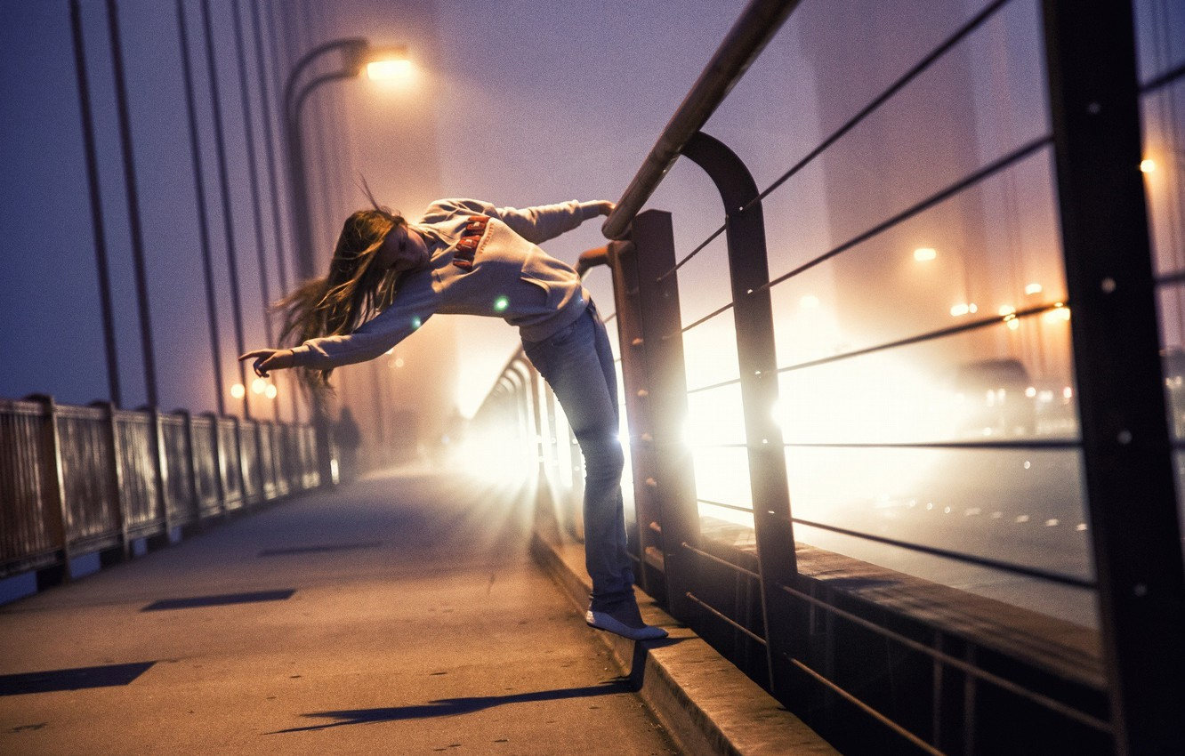 Photo wallpaper girl, light, night, bridge, lights, railings