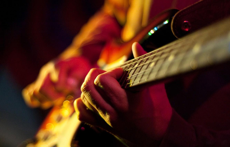 Photo wallpaper macro, guitar, strings, hands, chord