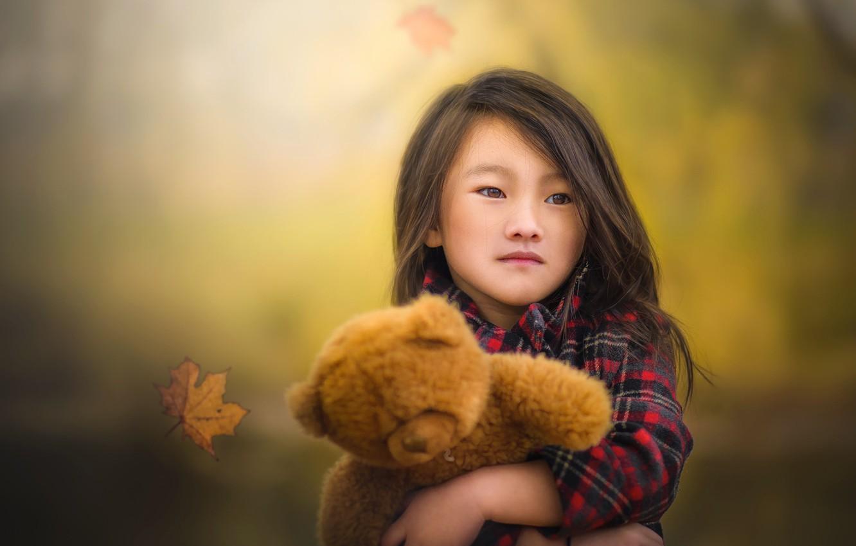 Photo wallpaper autumn, bear, girl