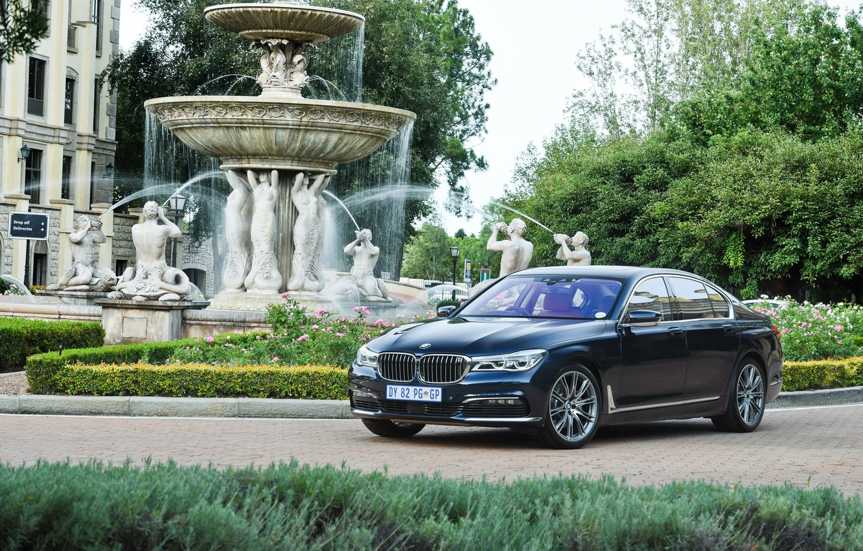 Photo wallpaper car, lawn, BMW, track, fountain, mansion, 730d