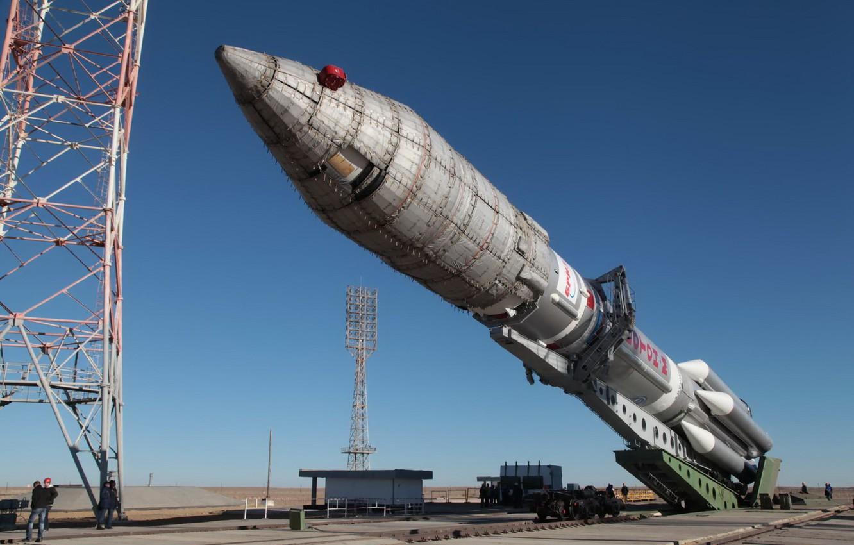 Photo wallpaper spaceport, Kazakhstan, clear skies, the carrier rocket proton-m, the satellite Sirius FM-6, Baikonur