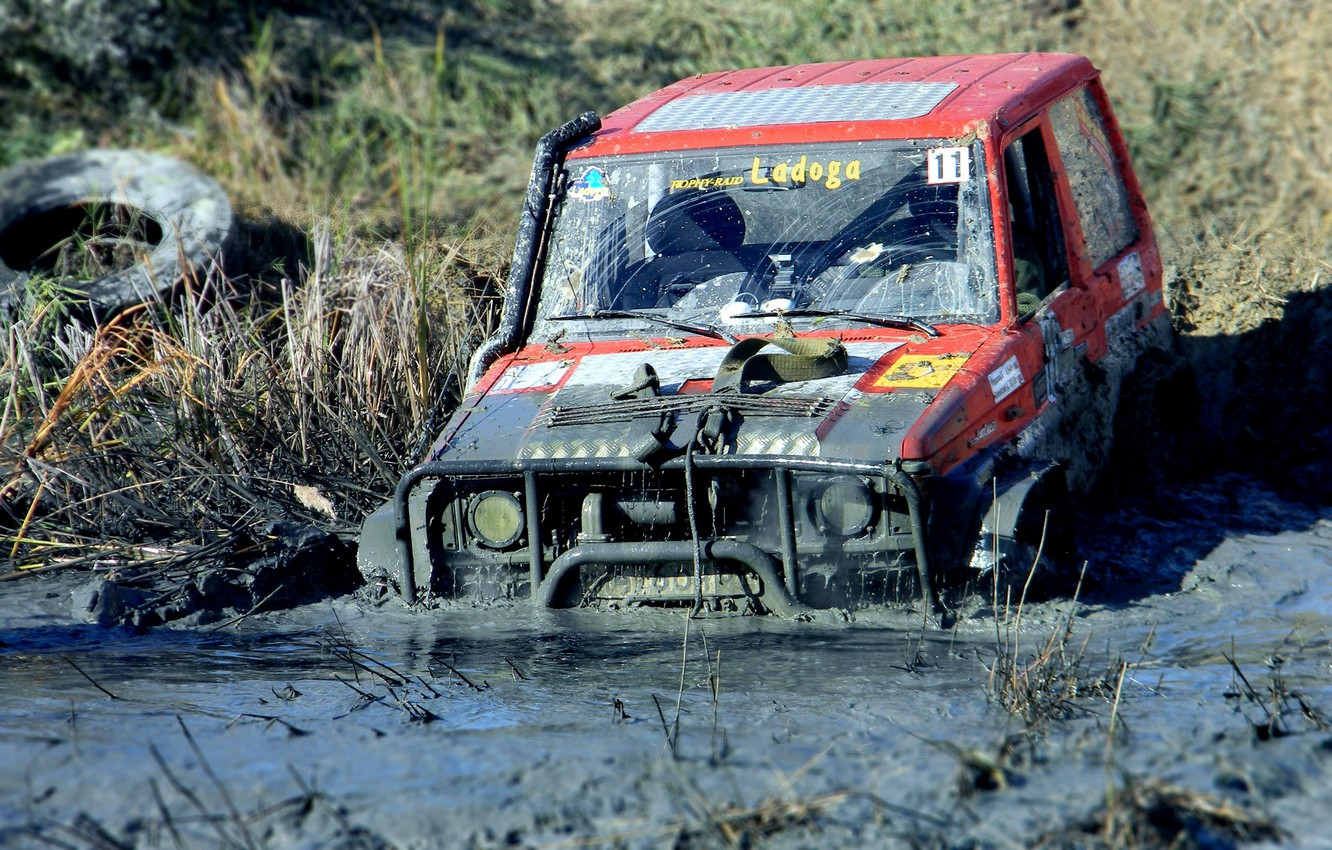 Photo wallpaper swamp, wheel, dirt, SUV, the cable, land cruiser, offroad, tlc