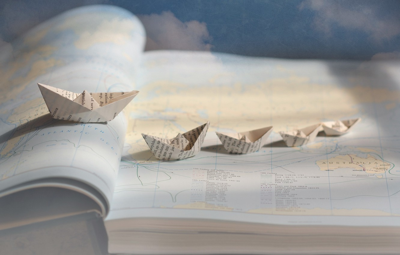 Photo wallpaper Atlas, origami, boats