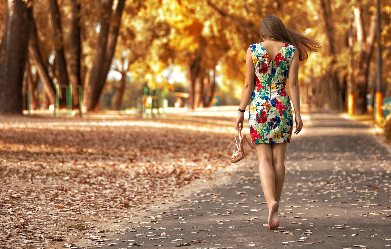 Photo wallpaper autumn, leaves, girl, Park, patterns, model, portrait, dress, heels, light, golden, brown hair, legs, the …
